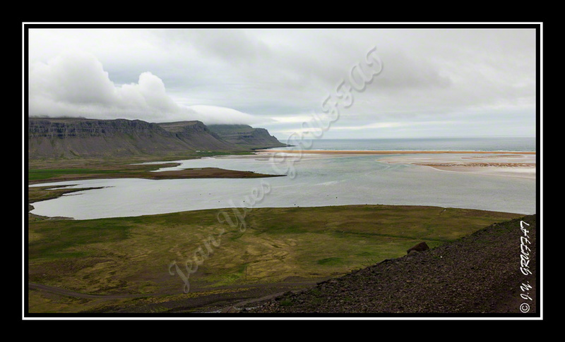 The red sand beach of Rauðisandur